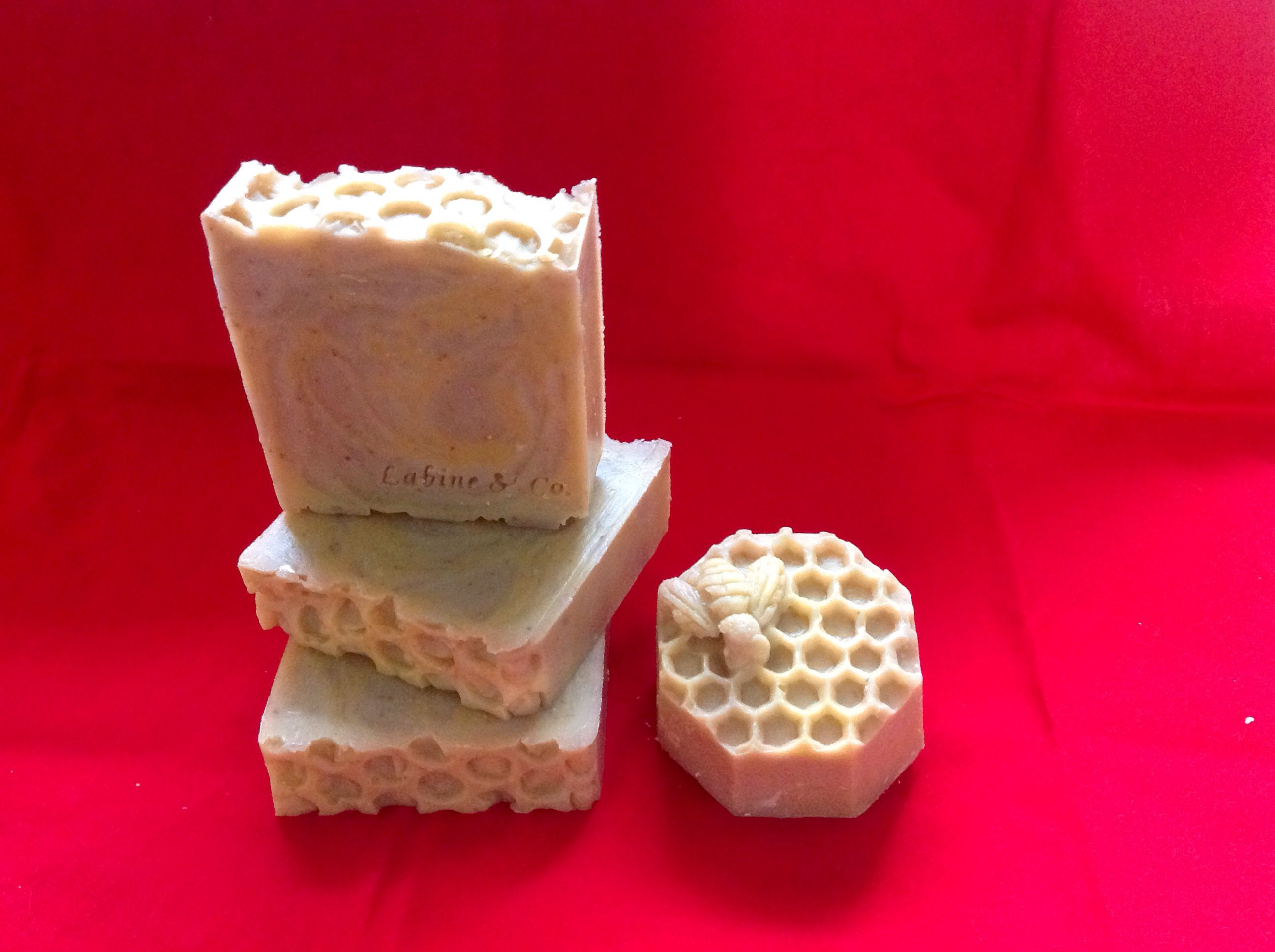 Honey, Nuts & Oats Great mild scent!  Made with olive, coconut, palm kernel and castor oils, beeswax, eh assail clay, finely ground oatmeal and fragrance.
