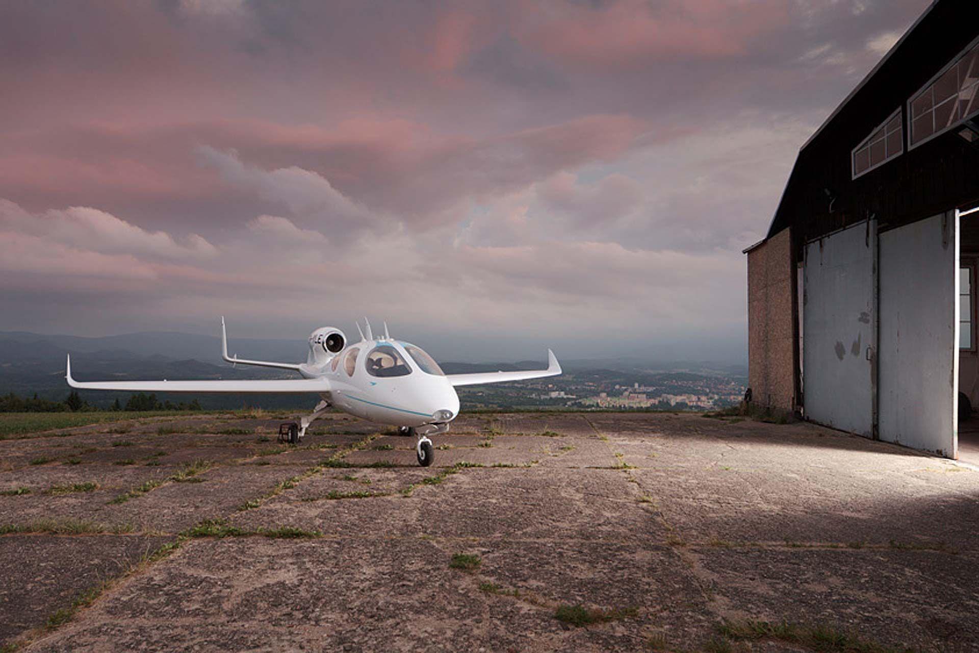 Flaris LAR 1 Personal Jet | Shelter | Personal jet, Jet