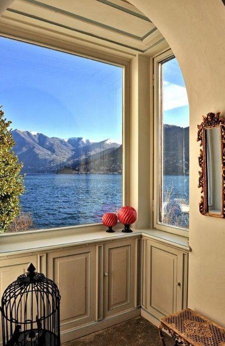 Moltrasio Villa on the Lake shore Private Dock Lake