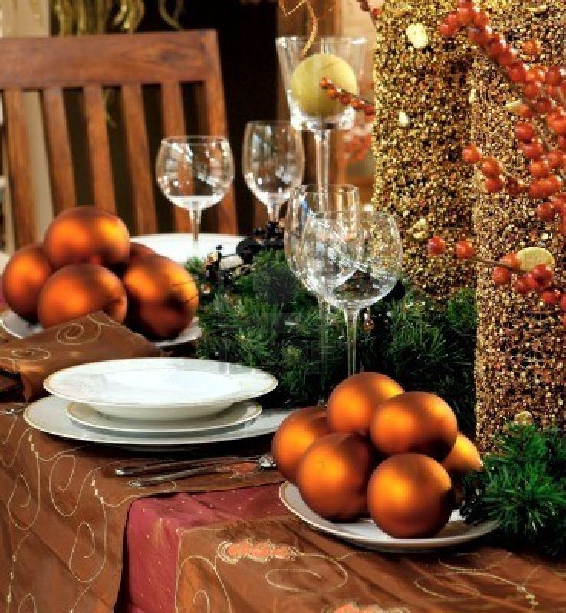 Christmas table decorations gold - Cheap Images About Christmas Dining Table Decorations On Pinterest With Christmas Table Decorations