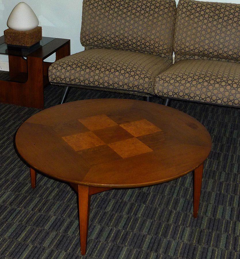 MID-CENTURY MODERN LANE FURNITURE ROUND COFFEE TABLE w/ CHECKERED BURLWOOD  INLAY - MID-CENTURY MODERN LANE FURNITURE ROUND COFFEE TABLE W/ CHECKERED