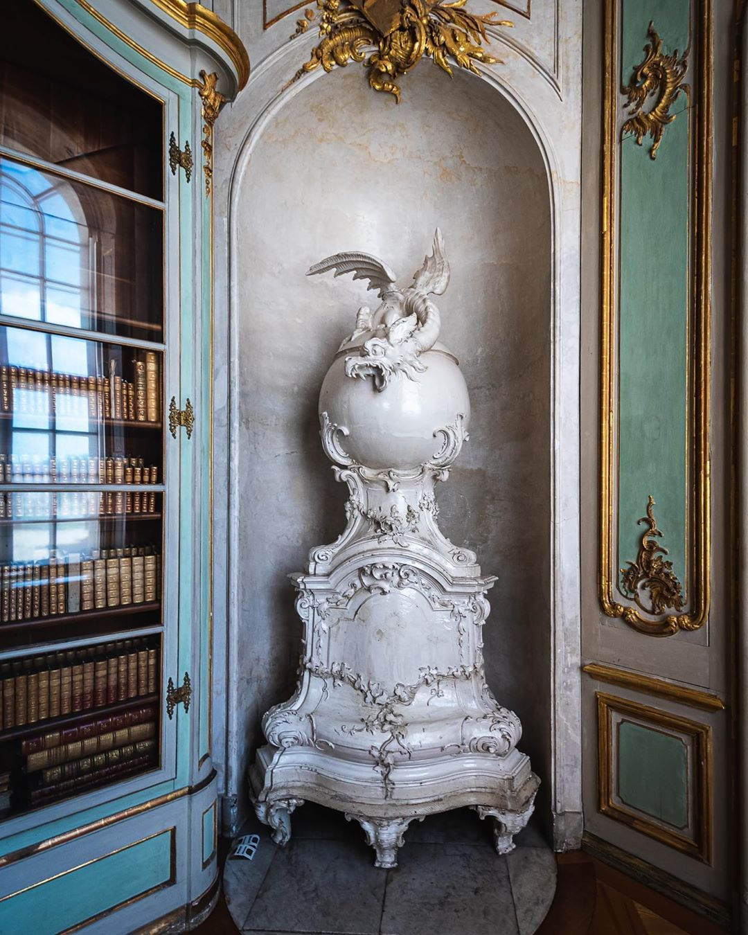 Frank On Instagram Oven With Dragon In The Library Of Frederick Ii In His Private Apartment In The Neues Palais Potsdam Oven In 2020 Frederick Dragon Apartment