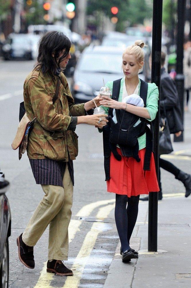 Peaches Geldof Photos: Peaches Geldof Gets a Milkshake