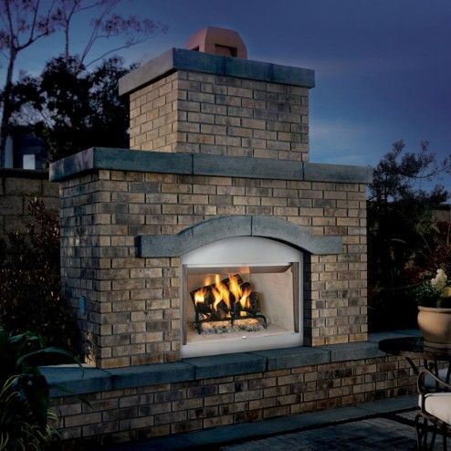 FMI Tuscan Outdoor Wood Fireplace W/refractory Brick Liner