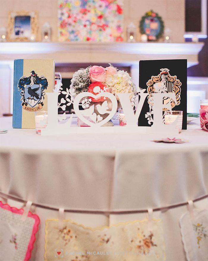 9 Book Themed Wedding Centerpieces Literary Wedding Pinterest