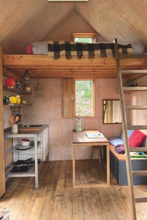 Une cuisine en bois petite et fonctionnelle Tiny houses and House