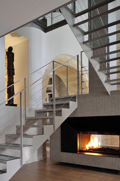 Les escaliers métalliques ainsi que les passerelles recevant des - escalier interieur de villa