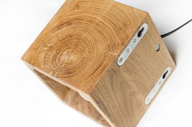 h lzerne wandleuchte mit einfachen funktionalen design dieser w rfel hat zwei m glichkeiten. Black Bedroom Furniture Sets. Home Design Ideas