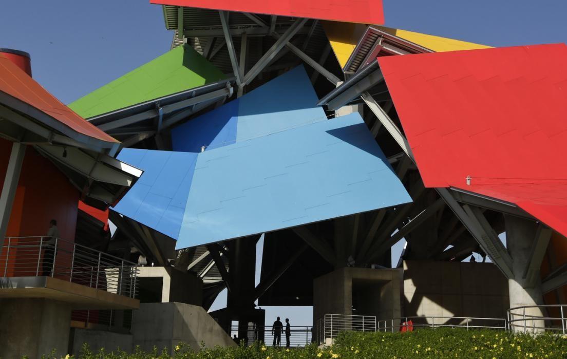 Gehry: atrium of The Biomuseo, panama city