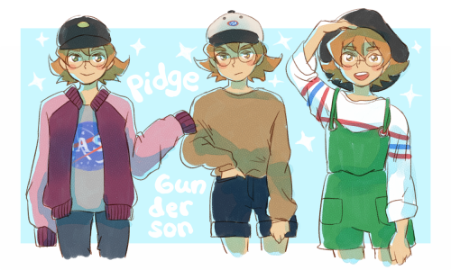 """karendoodles:  """" little birb in hats and oversized shirts  """""""