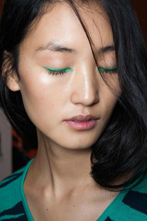 bright green eyeliner #beauty #makeup #backstage