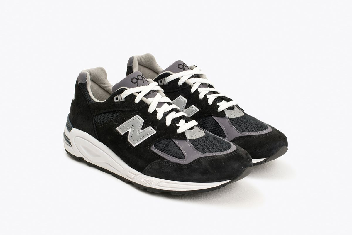 newest b0eb1 f1fb6 New Balance 990v2 | Products I Love in 2019 | Sneakers ...