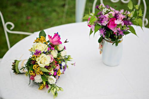 Des idées colorées: http://un-mariage-en-couleurs.blog4ever.com/