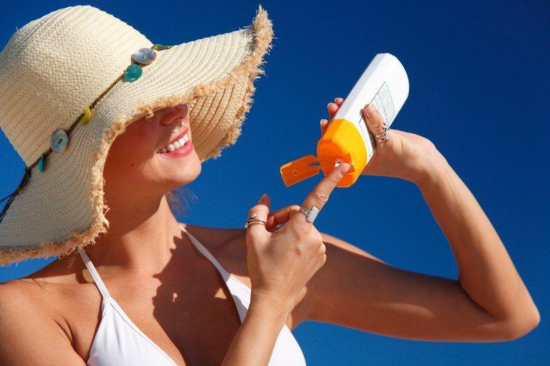 Abbronzarsi si, ma con moderazione  LEGGI : http://www.trovabenessere.it/benessere-trova-benessere/80-abbronzarsi-con-moderazione.html  #sun #spf #sunshine #bronze #girl #sole #cream