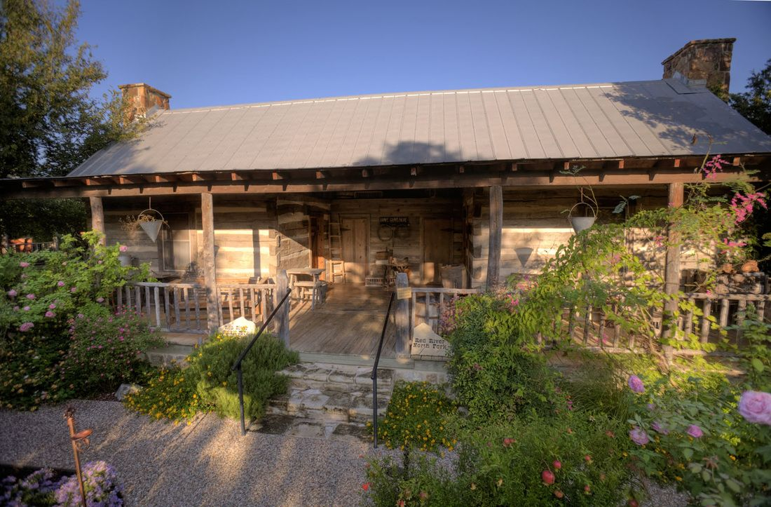 cabins fredericksburg united log for rent happy states rooms trails cabin in tx texas