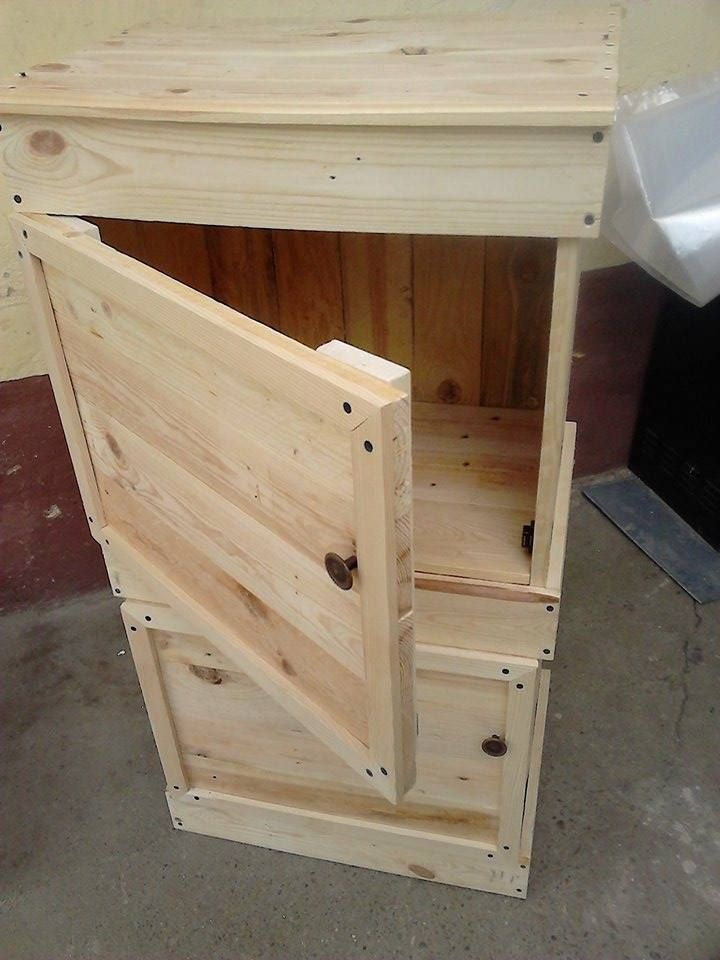 Recycled Pallet Floor Cabinet And Side Table