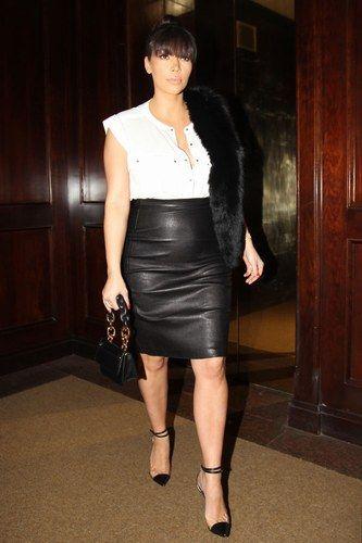 She bangs she bangs! We're still loving Kim Kardashian's new fringe!