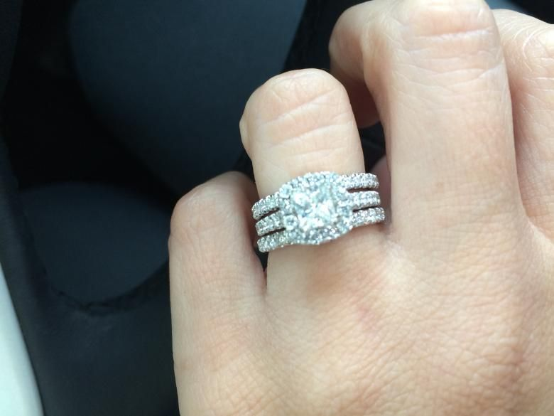 Gorgeous Neil Lane Bridal 1 2 CT TW 14k White Gold Engagement Ring With