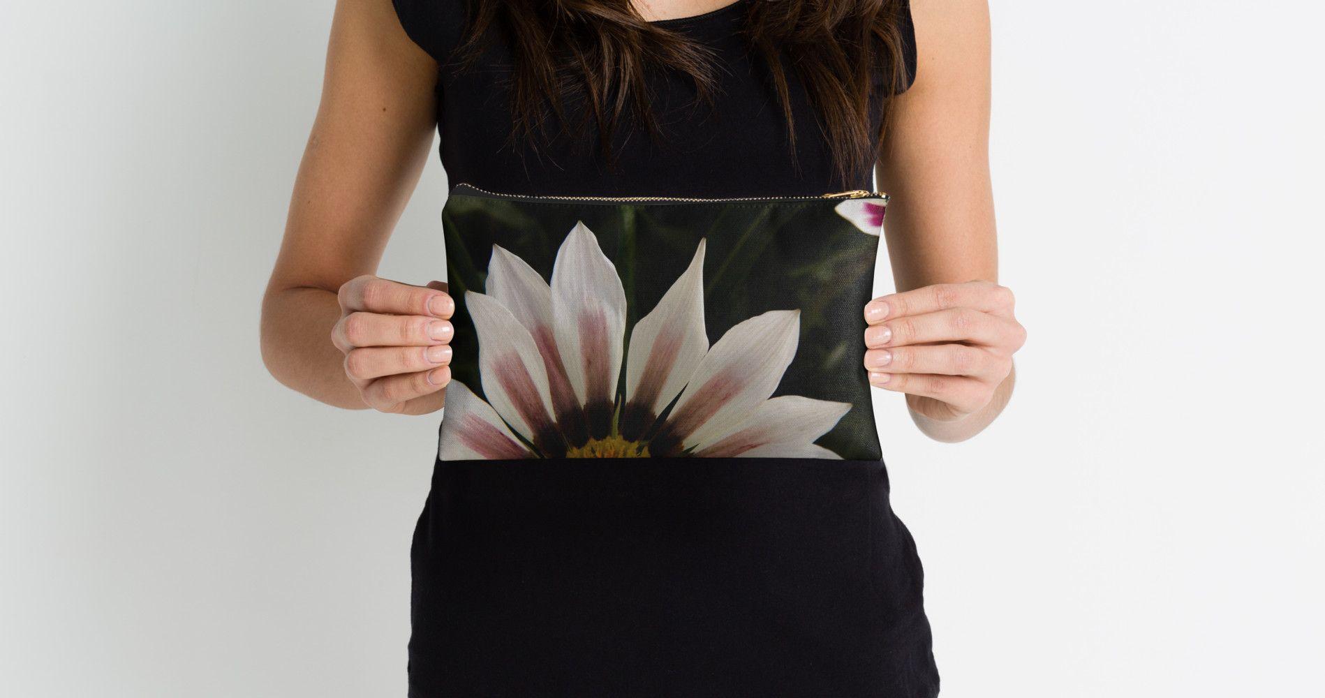 #flower #flowers #nature #petals #floral #daisies #plants #photography #pouch #pouches #studiopouches #gazania