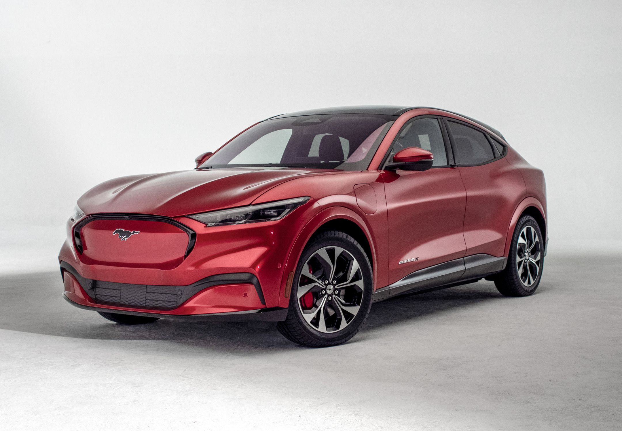 2021 Ford Mustang Mach E Electric Suv Revealed Get Photos Performance And Range Info Here Ford Mustang E Electric Suv