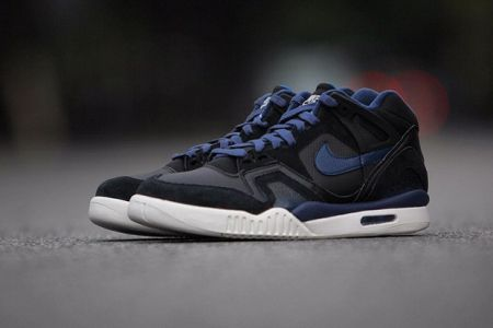 Picture of Nike Air Tech Challenge II Black/Obsidian
