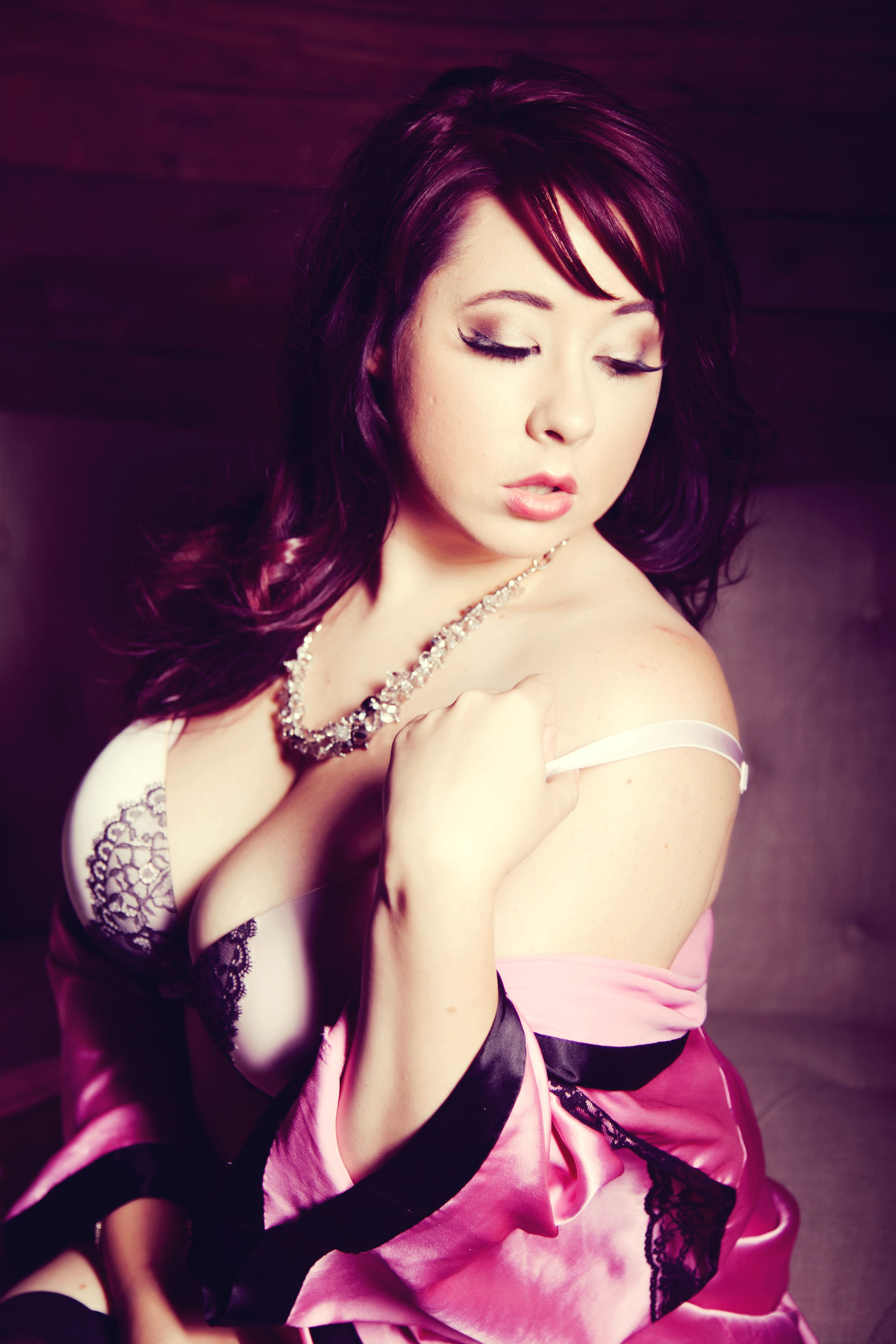 Tasteful boudoir pose.   Autumn Clarkson  2013 by Ultra-Spective Photography