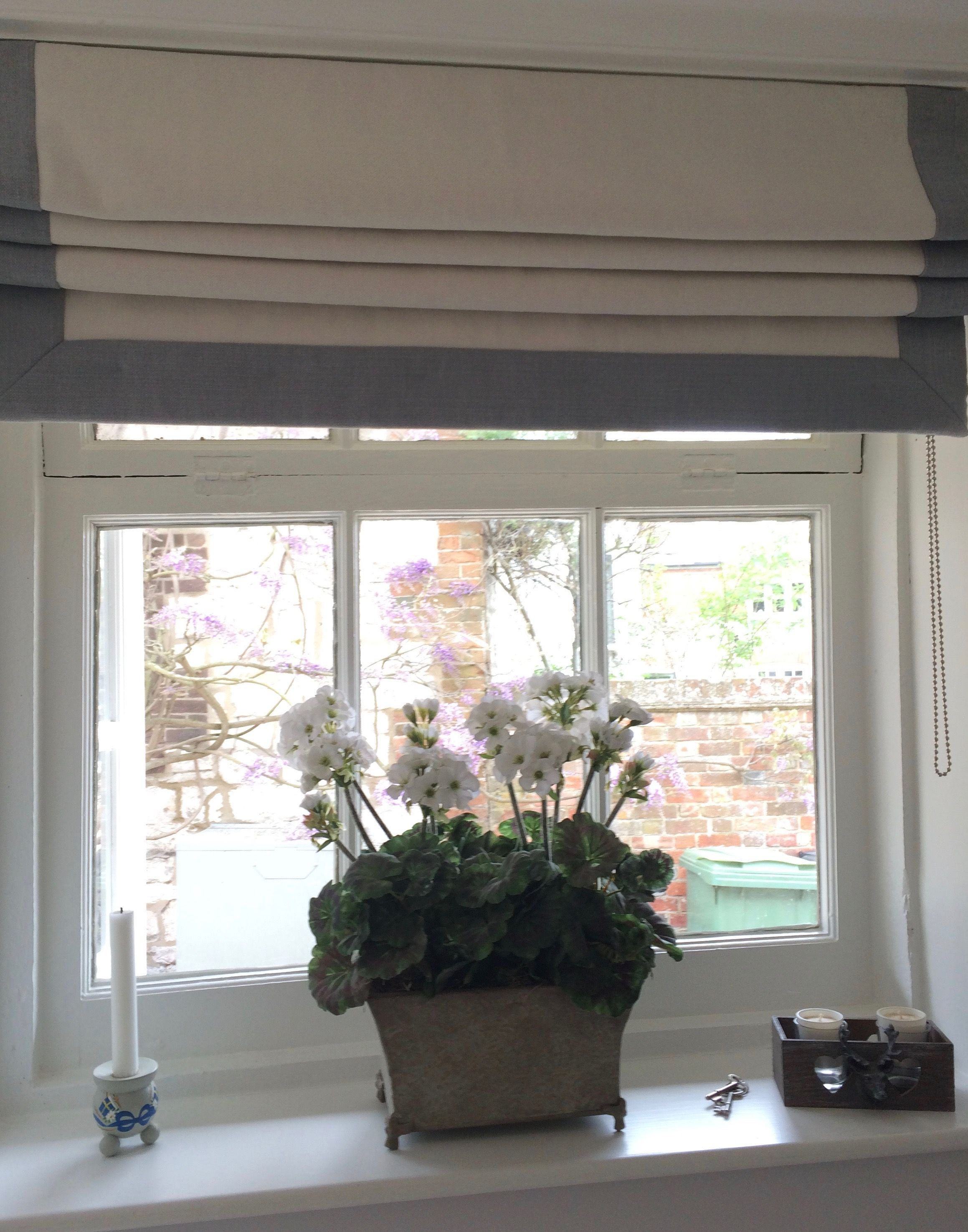 Pretty Roman Blind With Border On Three Sides In Romo
