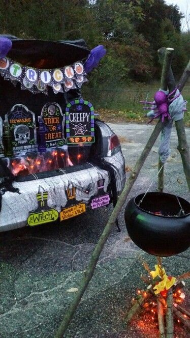 Witch Themed Trunk Or Treat Trunk Or Treat Pinterest Trunk Or