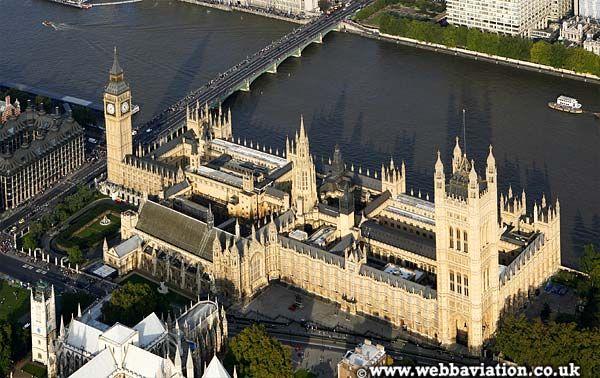 houses of parliament interior. london parliament building  Google da Ara Gothic Revival