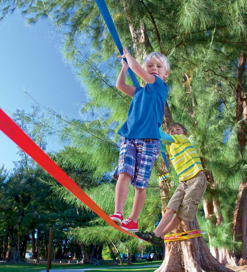 Slackline with training rope. Maybe I will ask Santa for ...