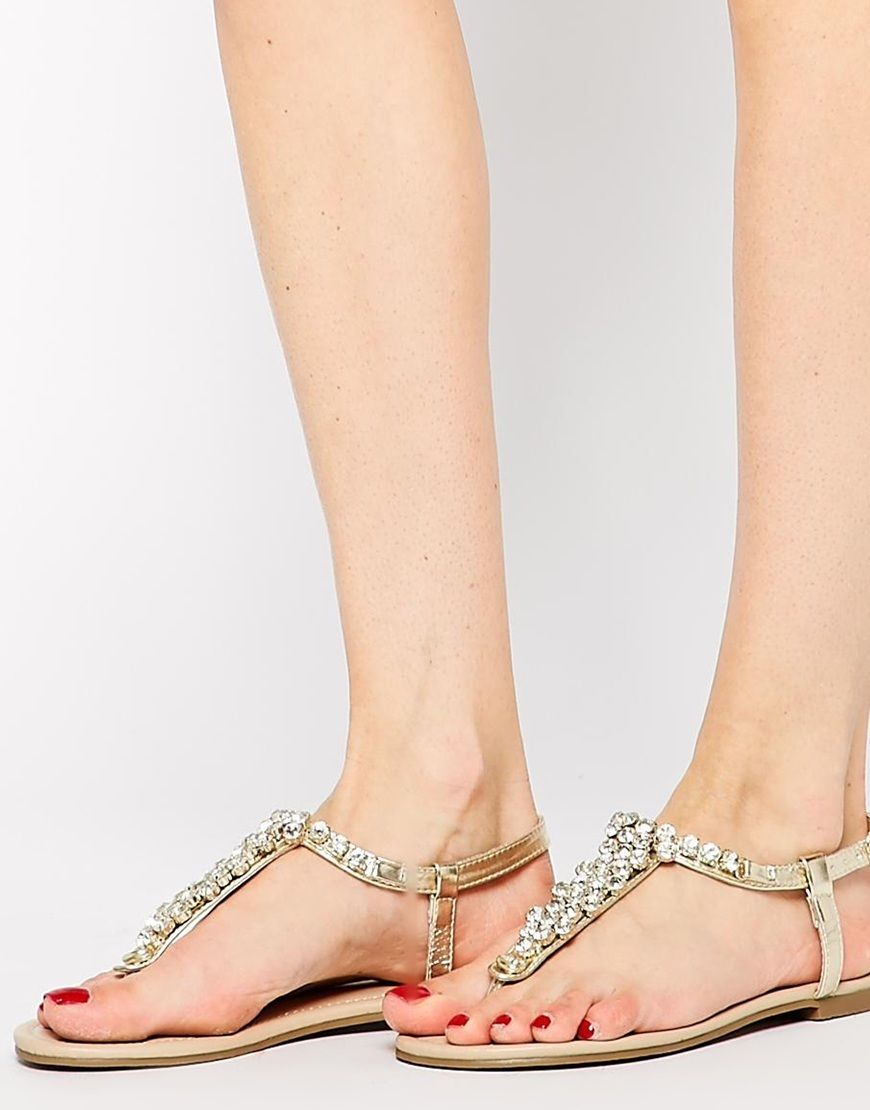 215a83b764447b Fossil Gold Bling Thong Flat Sandals by New Look - Found on HeartThis.com   HeartThis