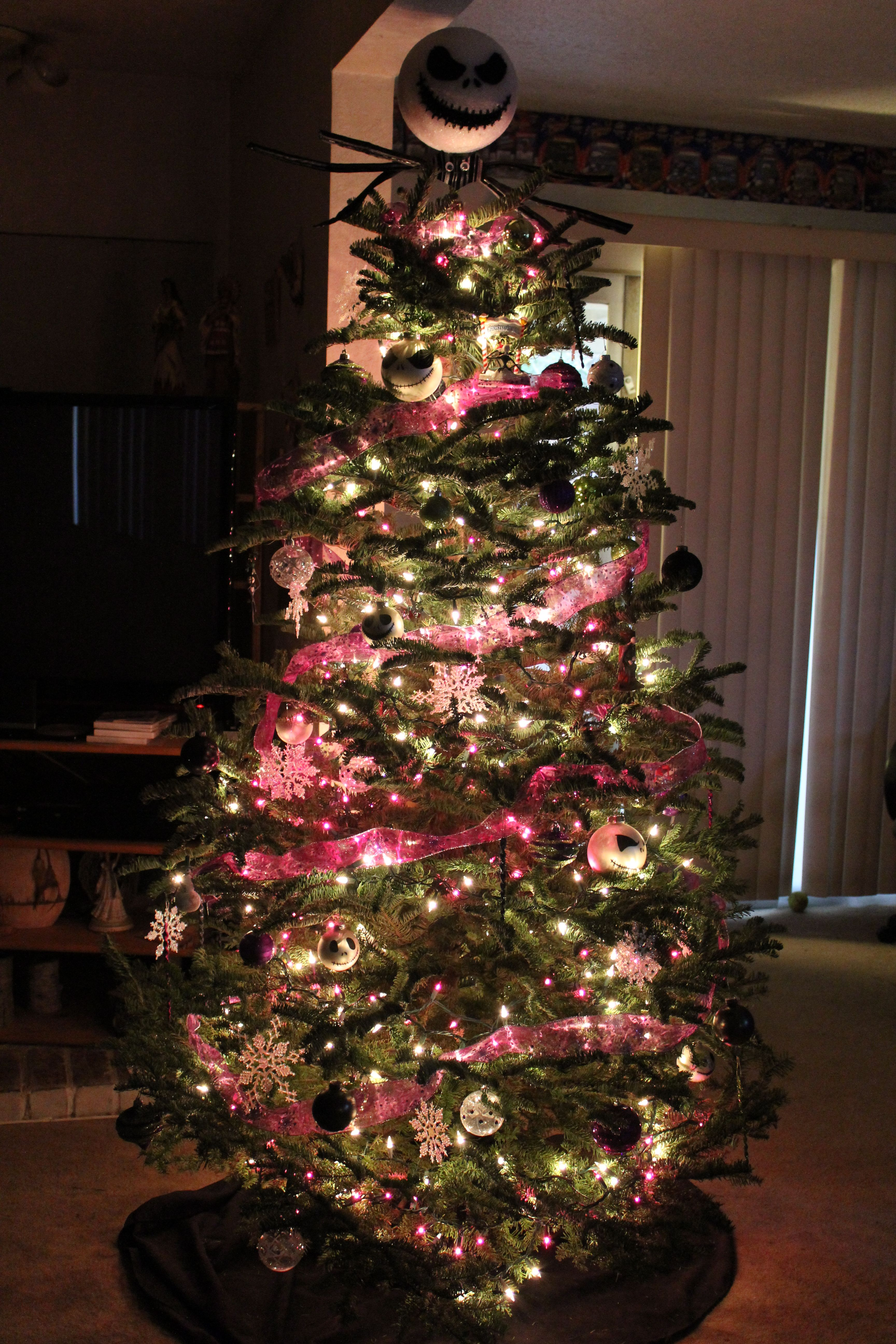 Nightmare Before Christmas tree!!!!! Christmas Pinterest - halloween tree decoration