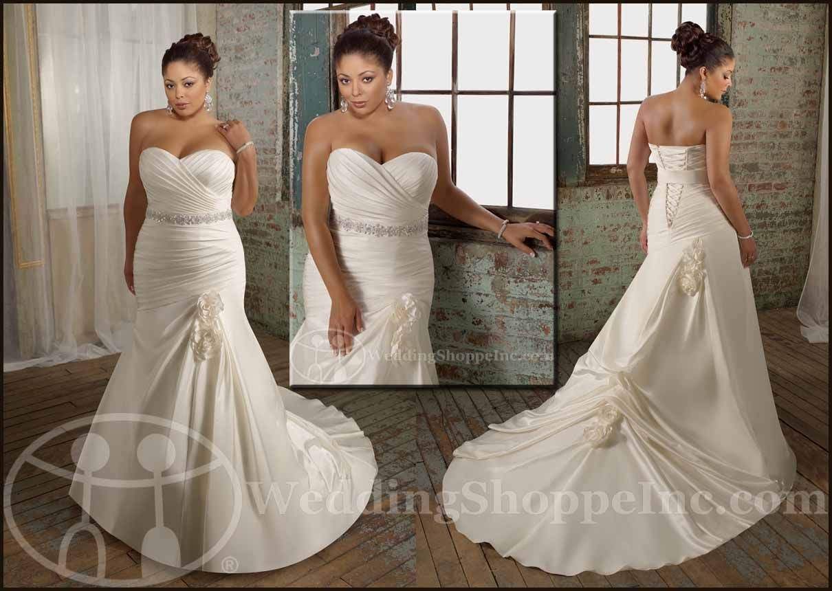 Plus Size Bridal Gowns to Fit & Flatter Your Style and Budget ...