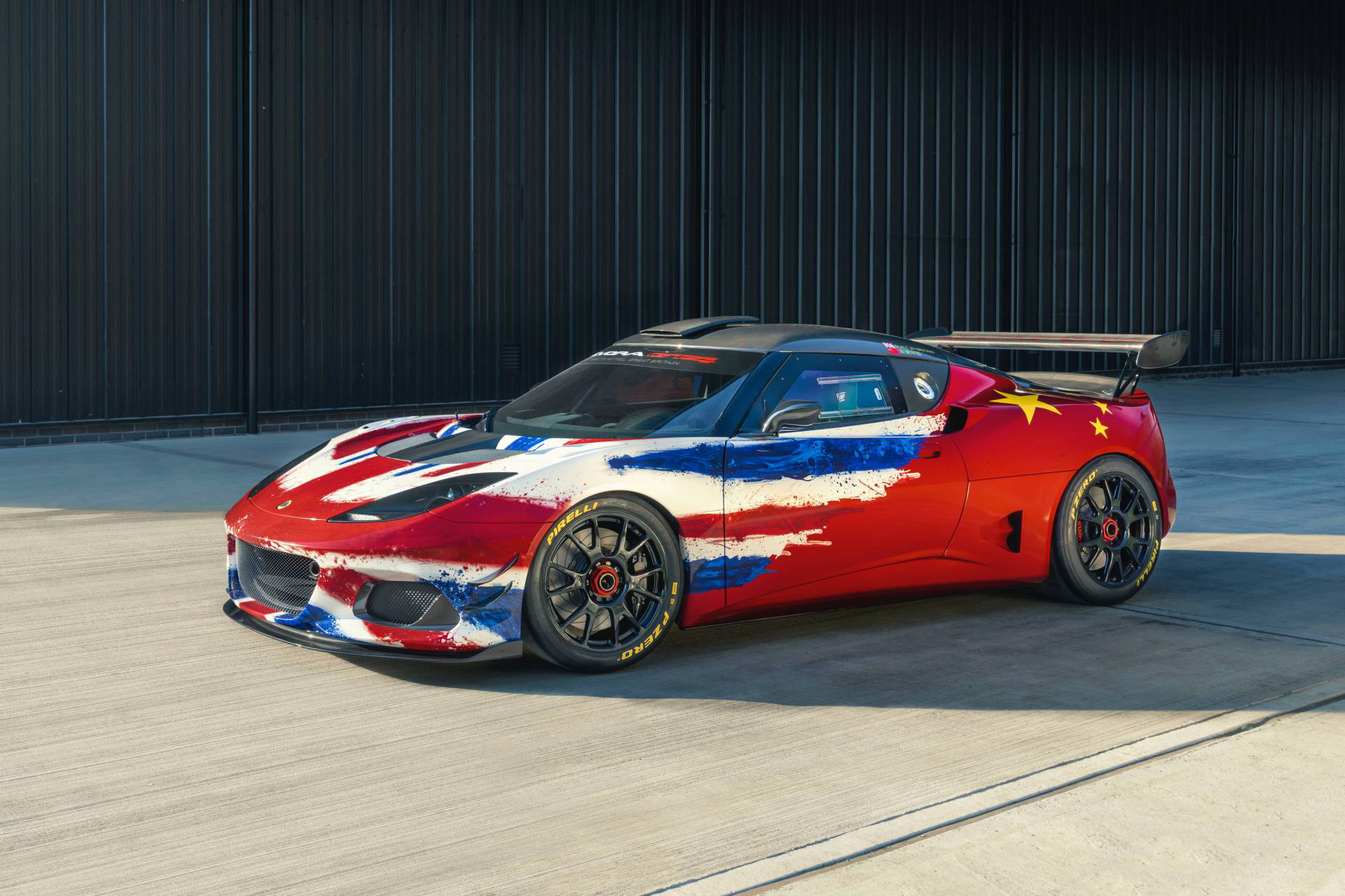 Lotus Evora Gt4 Concept Is The Updated 2020 Race Car Carmojo The Evora Gt4 Concept Features A Unique Livery Combining Th Track Car Concept Cars Race Cars