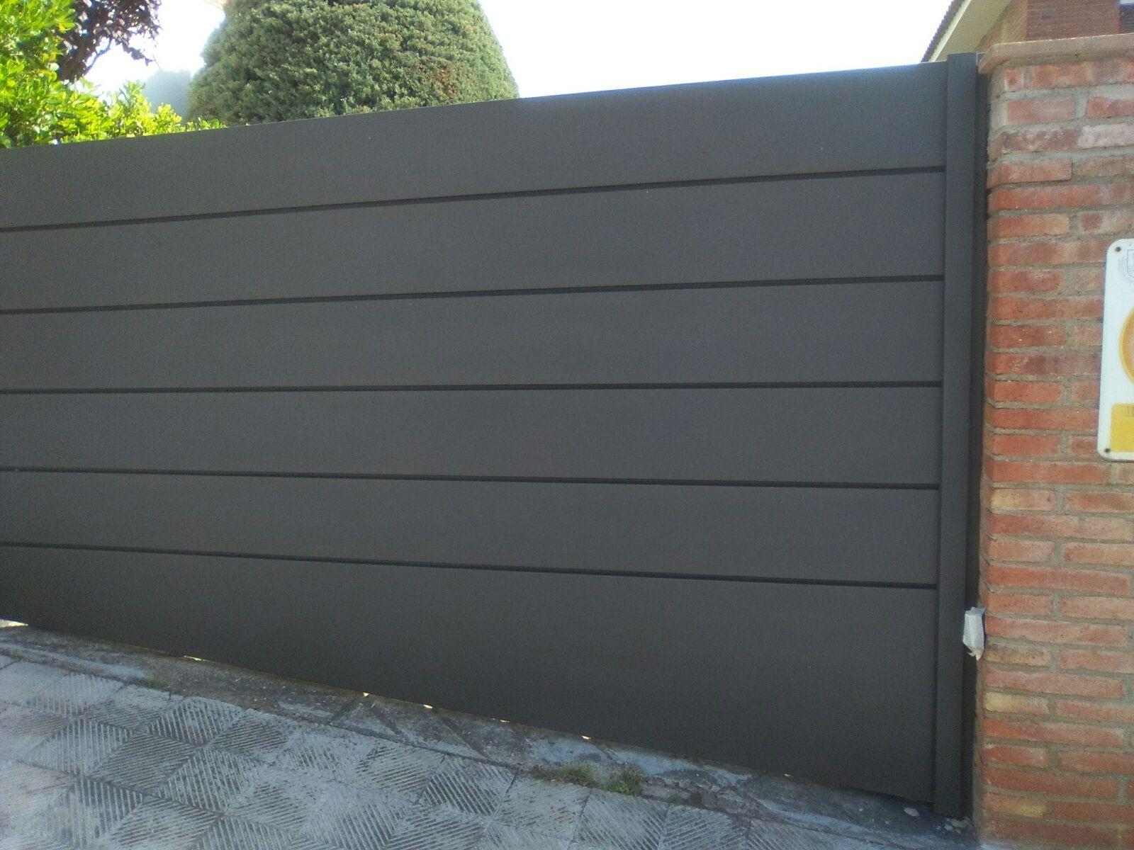 Puerta batiente autom tica de una hoja en acero - Puerta de acero galvanizado ...