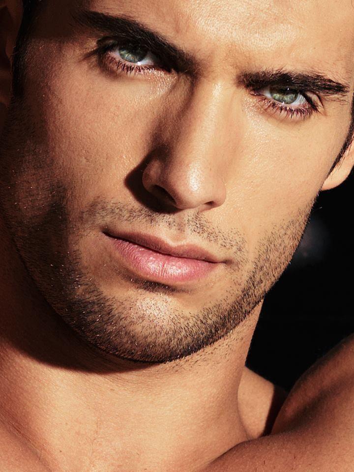 Sexy men eyes