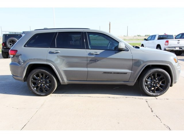 New Chrysler Jeep Dodge Ram Cars Trucks Suvs Serving Sugar Land Tx Jeep Grand Cherokee Jeep Grand Jeep Grand Cherokee Srt
