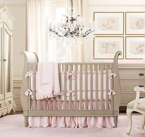 babybett-weiße-möbel-stuhl