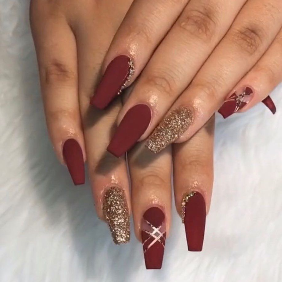 46 Elegant Acrylic Ombre Burgundy Coffin Nails Design For Short And Long Nails Burgundy Acrylic Nails Maroon Nails Coffin Nails Designs