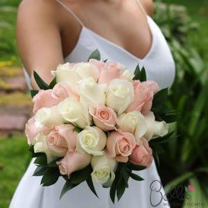 roses-wedding-lpinkwhite-bride_6.jpg (300×300)