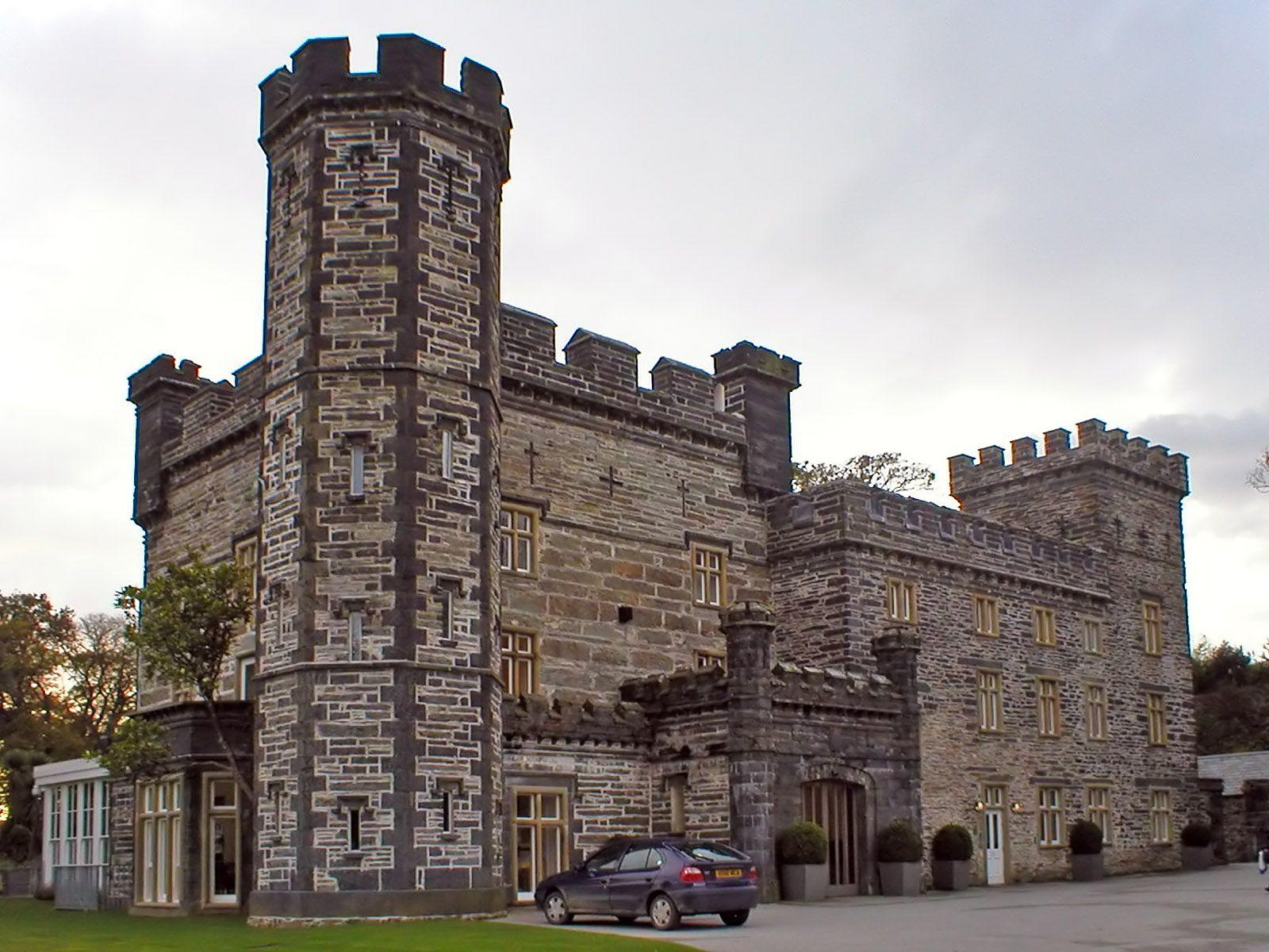 Castell Deudraeth Portmeirion Wales Gazeboholiday Hotelnorth