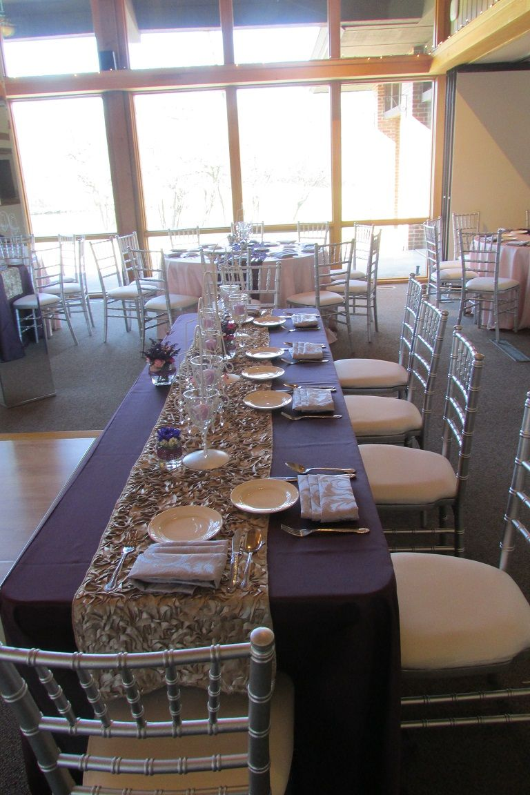 Complimenting the colors and flipping them for this head table to ...