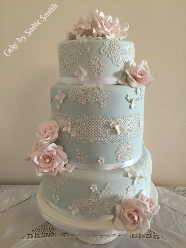 Lace And Roses Wedding Cake Http Www Cakebysadiesmith Co