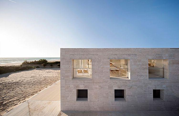 Astounding Beach Retreat In Spain With Ocean Views Minimalist