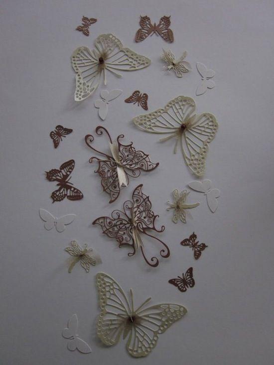 Bướm là một trong những ý tưởng 3D rất quen thuộc trong trang trí tường, chưa kể nó rất xinh đẹp và dễ thương phải không nào