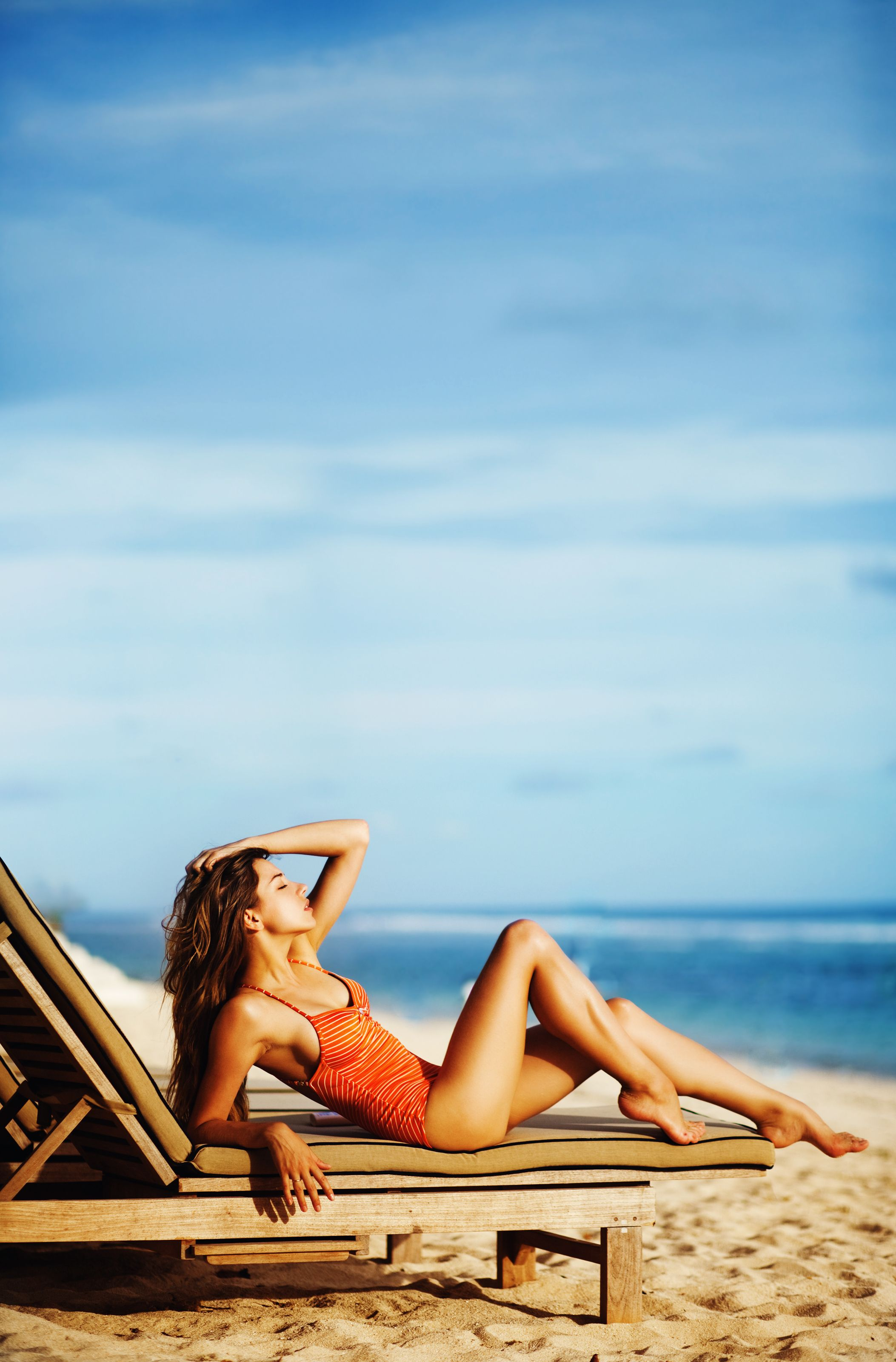полдень пляж солярий крым фото некоторых отличий