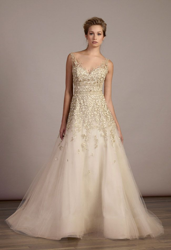 Timeless Wedding Dresses. To see more: http://www.modwedding.com/2014/04/27/timeless-wedding-dresses/  #wedding #weddings #fashion Wedding Dress: LIANCARLO
