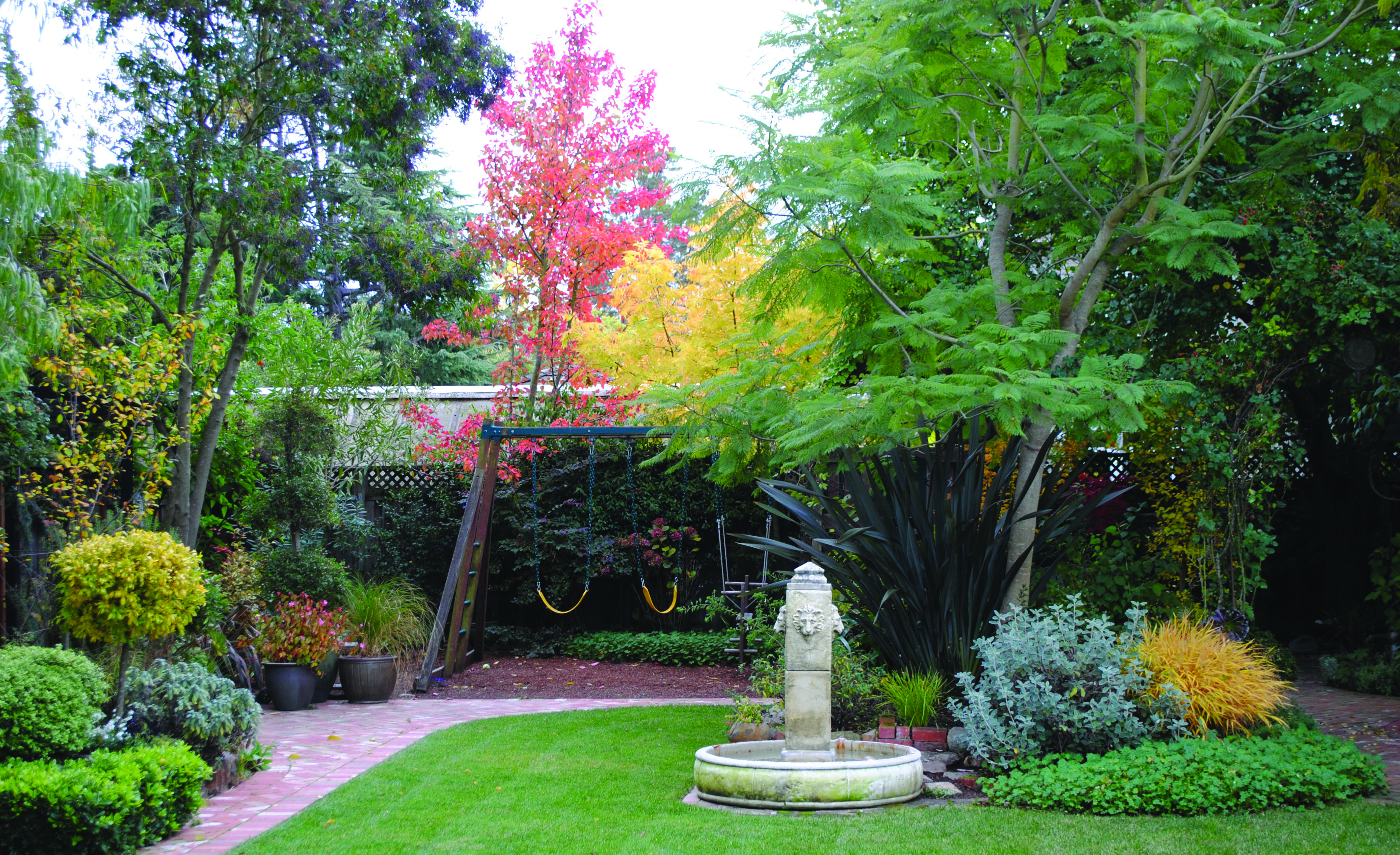 Pro Garden Design Tip How To Use The Of Triangle Horticulture