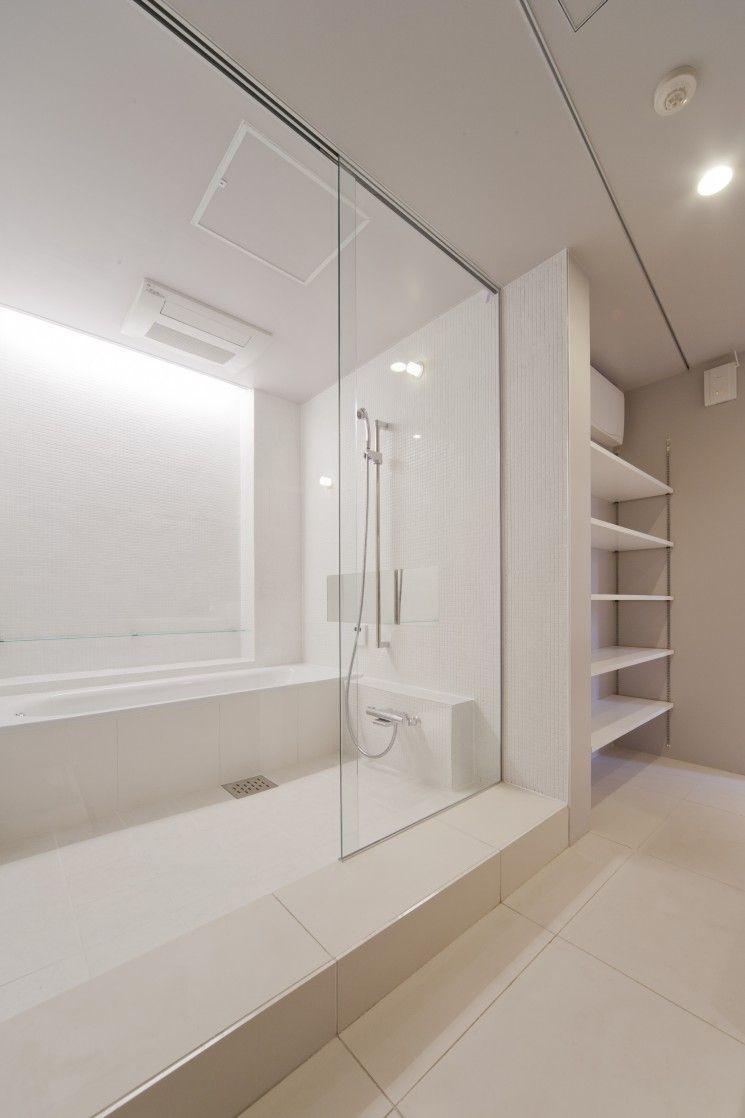 洗面 バスルーム つながり 一体感 タイル貼壁 タイル貼床 ニッチ棚