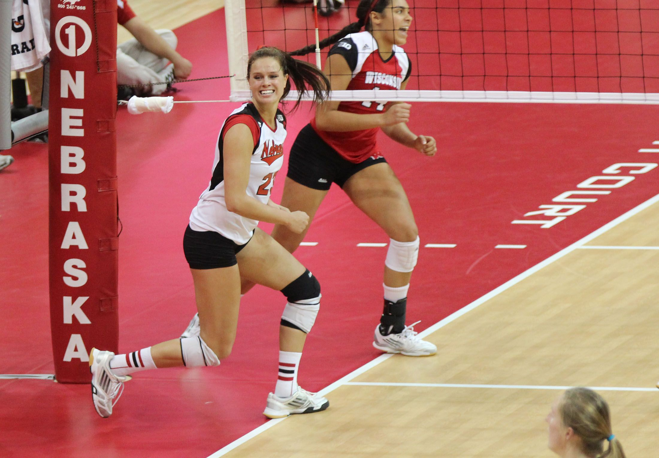 Even When She Gives Up A Point Kelsey Robinson Still Knows She S In Her Opponent S Head Kelsey Robinson Volleyball Husker